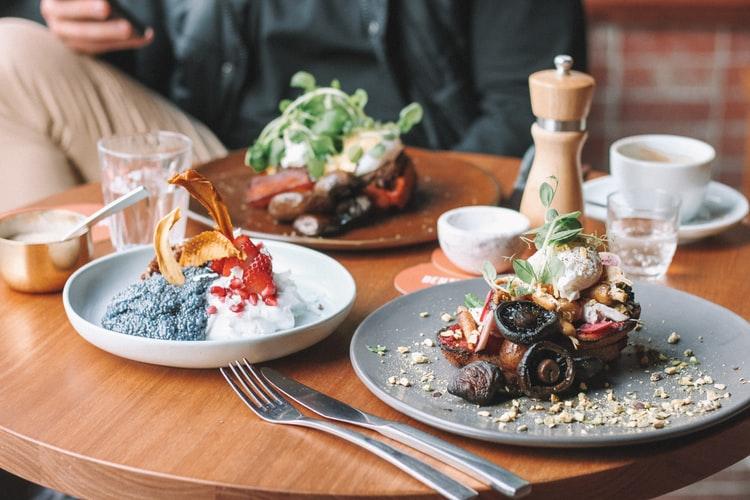 places to enjoy Singaporean food